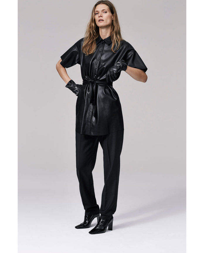 فو LEATHER SHIRT DRESS