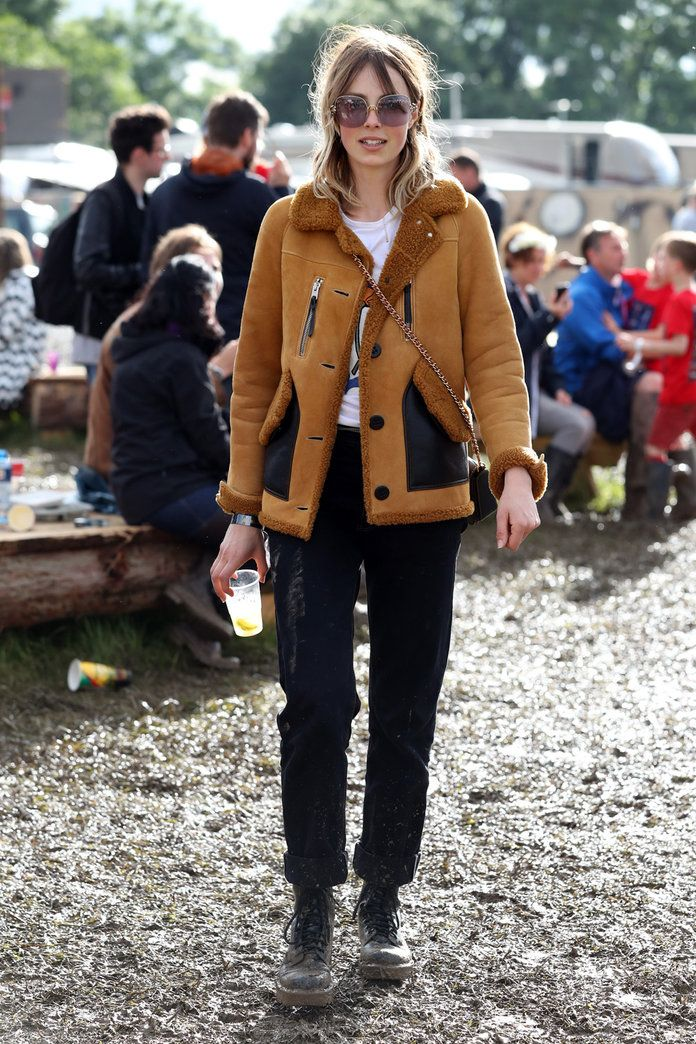 Едие Campbell Wearing Coach At Glastonbury 2016