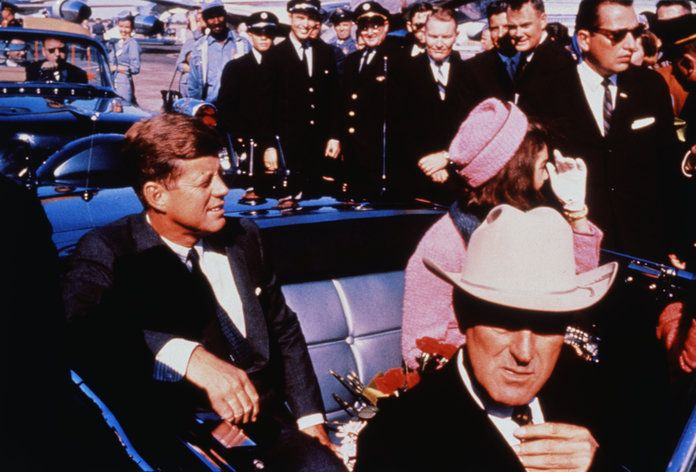 Јохн and Jackie Kennedy with John Connally in Automobile