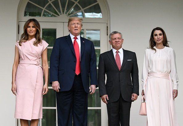 председник Trump Welcomes King Abdullah And Queen Rania Of Jordan To White House